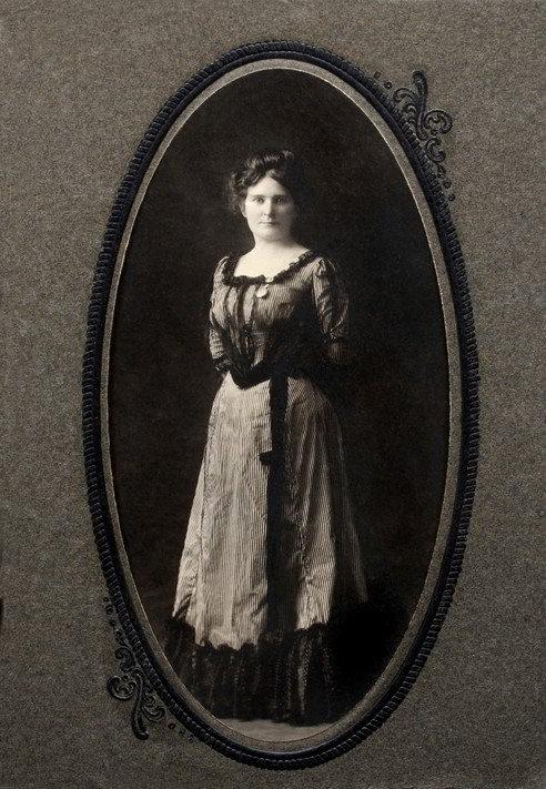 Get help finding your female ancestors.